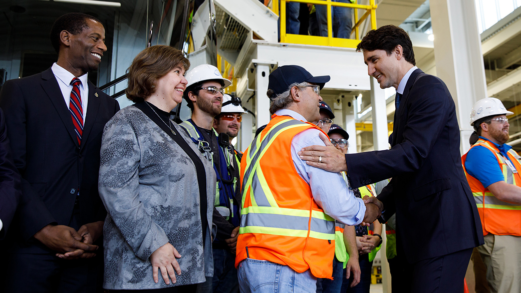 Prime Minister announces significant funding to extend Ottawa's Light Rail Transit system